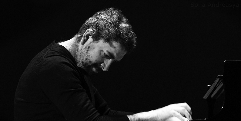 Konstantin Lifschitz, piano